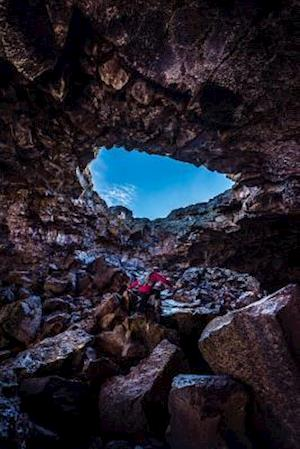 Bog, paperback Exploring Indian Tunnel Cave at Craters of the Moon National Monument Journal af Cs Creations