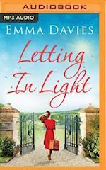 Letting in Light af Emma Davies