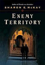 Enemy Territory af Sharon E. McKay, Michael Kusugak