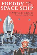 Freddy and the Space Ship af Walter Brooks, Kurt Wiese