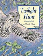 Twilight Hunt (Seek And Find Books)
