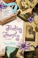 Finding Family af Tonya Bolden