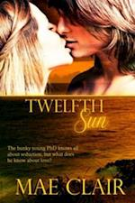 Twelfth Sun af Mae Clair