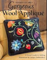 Gorgeous Wool Applique af Deborah Gale Tirico