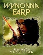 Wynonna Earp Season One Yearbook (Wynonna Earp, nr. 1)