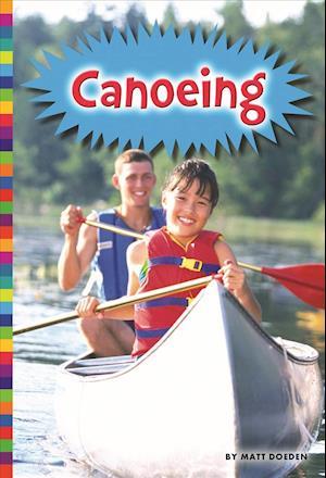 Bog, paperback Canoeing af Matt Doeden