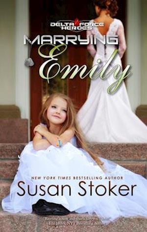 Bog, paperback Marrying Emily af Susan Stoker
