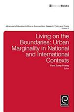 Living on the Boundaries (Advances In Education In Diverse Communities Research Policy And Praxis, nr. 8)