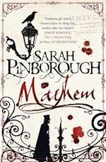 Mayhem af Sarah Pinborough