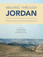 Walking Through Jordan af Geoffrey A. Clark