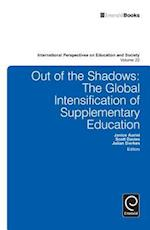 Out of the Shadows (International Perspectives on Education and Society, nr. 22)