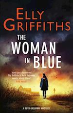 Woman In Blue (The Dr Ruth Galloway Mysteries)