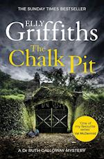Chalk Pit (The Dr Ruth Galloway Mysteries)