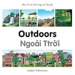 My First Bilingual Book - Outdoors - Polish-english (My First Bilingual Book)