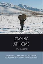 Staying at Home af Rita Sanders