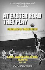 At Easter Road They Play af John Campbell