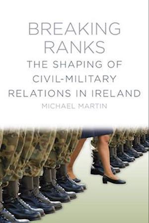 Bog, paperback Breaking Ranks af Michael Martin