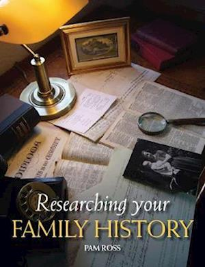 Bog, paperback Researching Your Family History af Pam Ross
