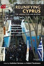 Reunifying Cyprus (International Library of Political Studies, nr. 28)
