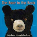 The Bear in the Book af Georg Hallensleben