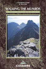 Walking the Munros Vol 2 - Northern Highlands and the Cairngorms af Steve Kew