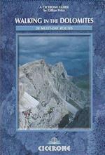 Walking in the Dolomites af Gillian Price