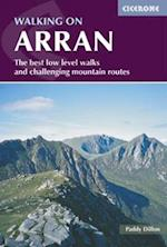 Walking on Arran af Sian Pritchard-Jones