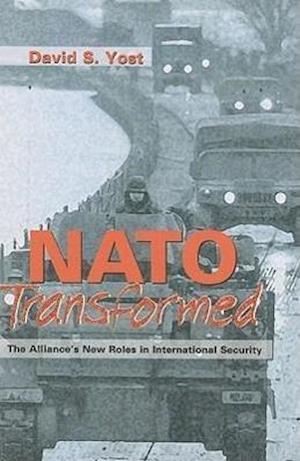 Bog, paperback NATO Transformed af David S. Yost