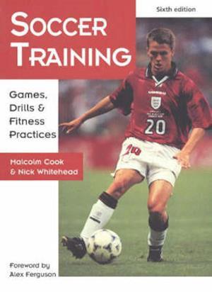 Bog, paperback Soccer Training af Malcolm Cook