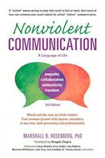 Nonviolent Communication (Nonviolent Communication Guides)