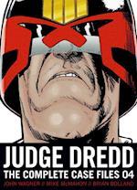 Judge Dredd 4 af Brian Bolland, John Wagner, Mike Mcmahon