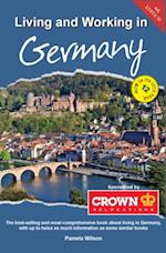 Living and Working in Germany af Pamela Wilson