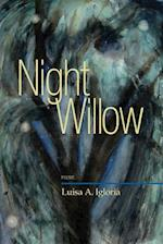 Night Willow af Luisa A. Igloria