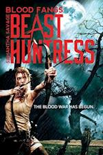 Blood Fangs - Samantha Savage Beast Huntress af R. C. Farrington