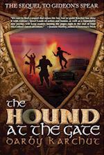 The Hound at the Gate (Adventures of Finn MacCullen Finn Finnegan)