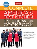 The Complete America's Test Kitchen TV Show Cookbook 2001-2017 af America's Test Kitchen