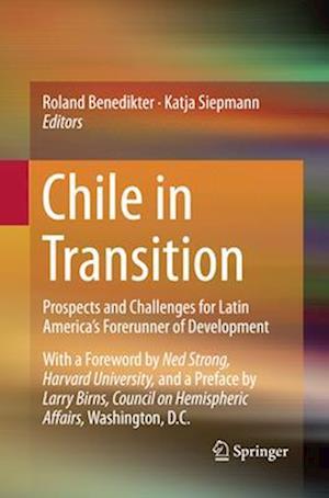 Bog, paperback Chile in Transition af Roland Benedikter