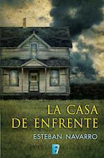 La casa de enfrente af Esteban Navarro Soriano