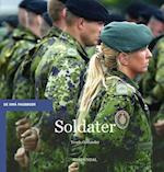 Soldater (De små fagbøger)
