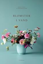 Blomster i vand