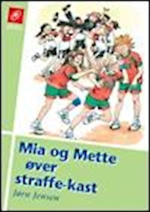 Mia og Mette øver straffekast af Jørn Jensen