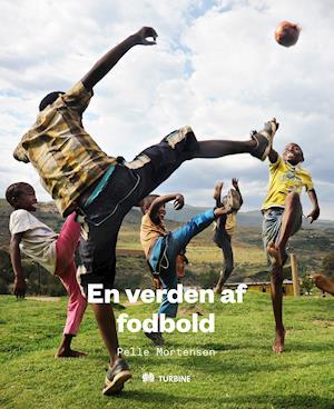 Bog, indbundet En verden af fodbold af Pelle Mortensen