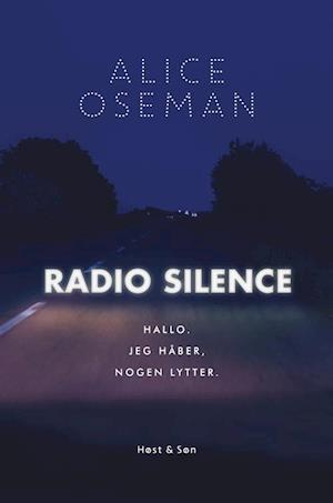 Bog, hæftet Radio silence af Alice Oseman