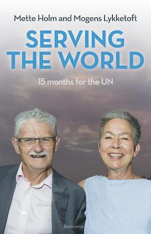 Serving the World af Mette Holm, Mogens Lykketoft
