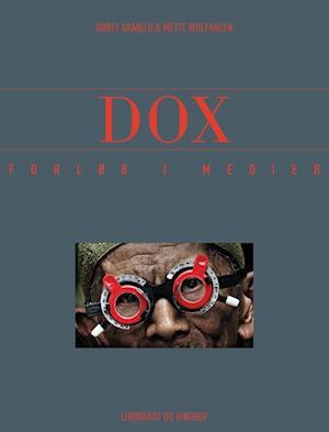 Bog hæftet Dox af Dorte Granild Mette Wolfhagen