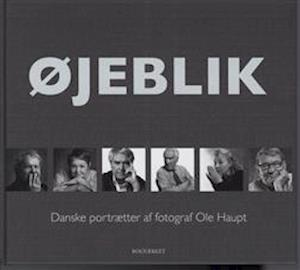 Bog, hardback Øjeblik af Ole Haupt