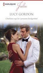 Charlenes nye liv i pressens bevågenhed (Julia)
