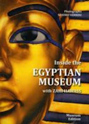 Bog, paperback Inside the Egyptian Museum af Zahi A Hawass
